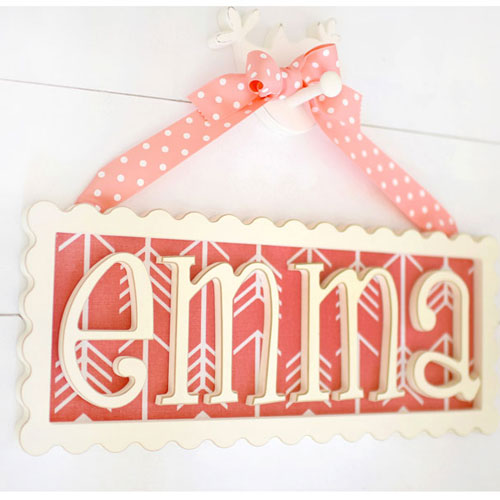 Hanging Wood Scalloped Name Plaque