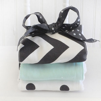 Black & White Chevron Burp Cloths