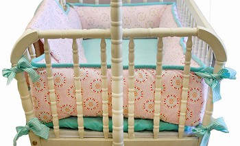 Pinwheel Punch Cradle Bedding